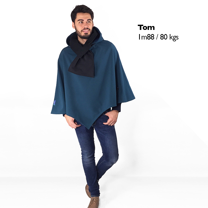 Poncho pascal bleu canard noir porte%cc%81 cape mode handicap