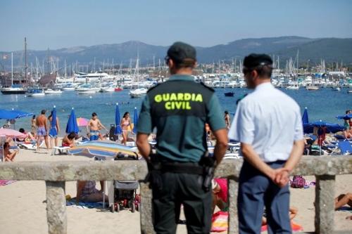 Guardia civil en verano