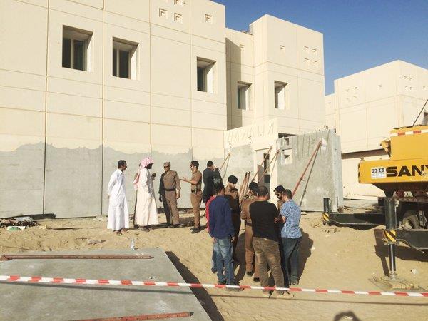 مصرع عامل سقط عليه جدار إسمنتي بجامعة نجران
