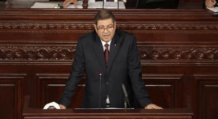 رئيس وزراء تونس يعين وزراء جددا للخارجية والداخلية والعدل