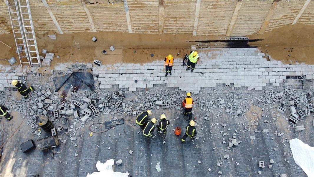 وفاة وإصابة 3 أشخاص في حادث انهيار مبنى تحت الإنشاء بجدة