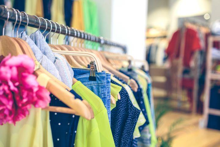 5 أشياء تدفعك لغسل ملابس العيد قبل ارتدائها .. تعرف عليها