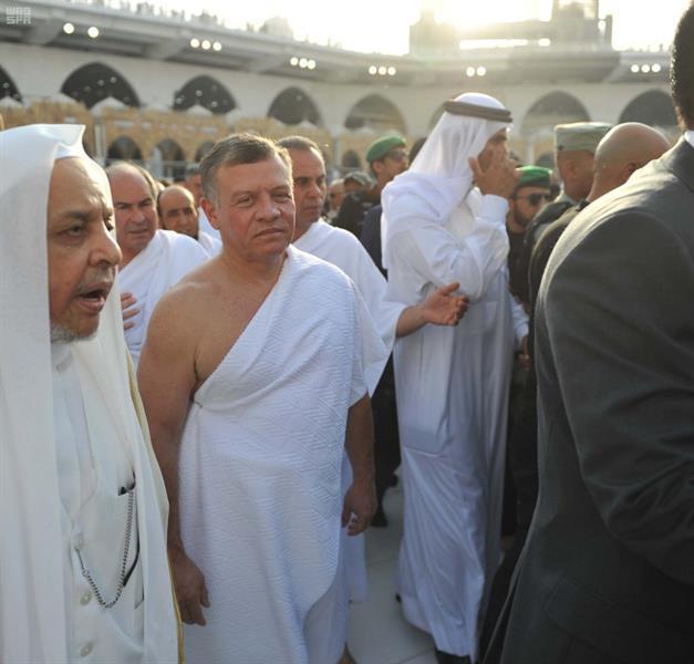 شاهد.. الملك عبدالله الثاني ملك الأردن يؤدي مناسك العمرة
