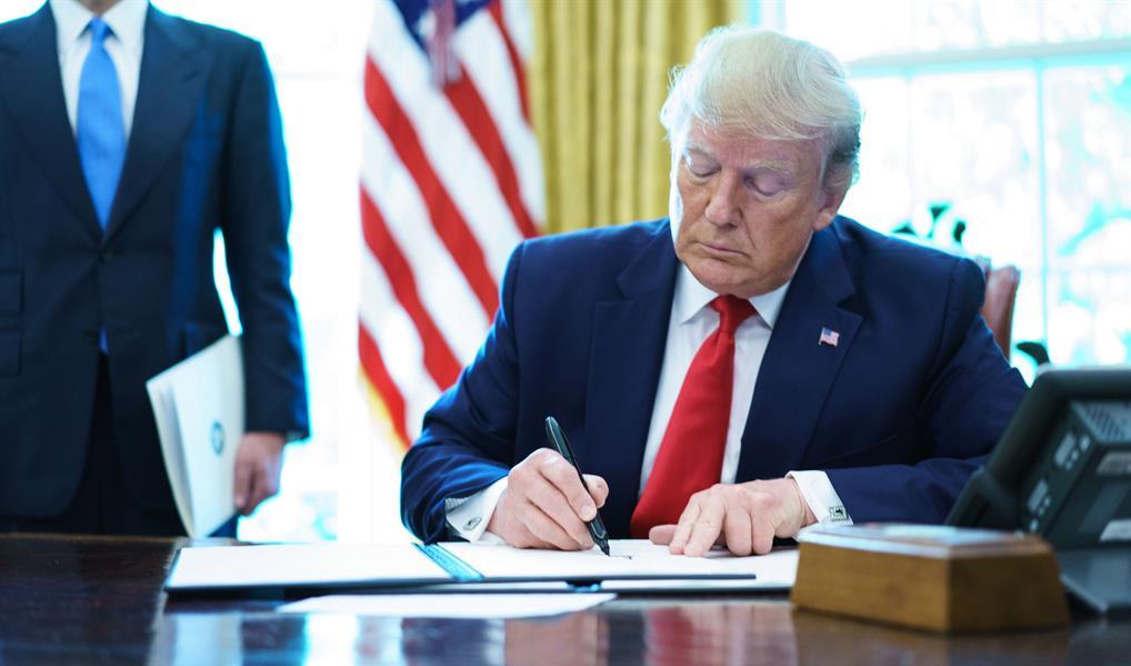 الإدارة الأمريكية تتراجع عن قرارها بشأن إلغاء تأشيرات الطلاب الأجانب