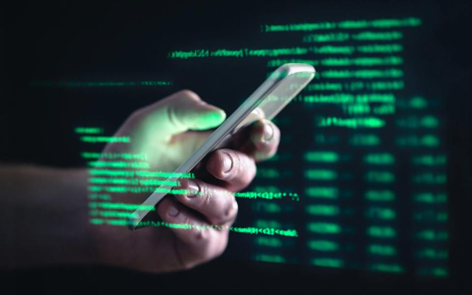 مستشار تقني يوضح طريقة حماية الجوال أو الكمبيوتر من الاختراق
