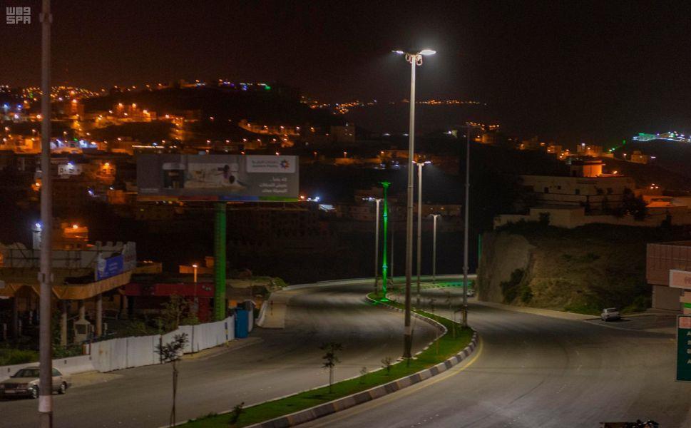 المواطنون والمقيمون في منطقة الباحة يلتزمون بقرار منع التجول