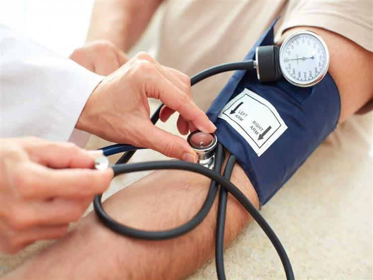قياس ضغط الدم