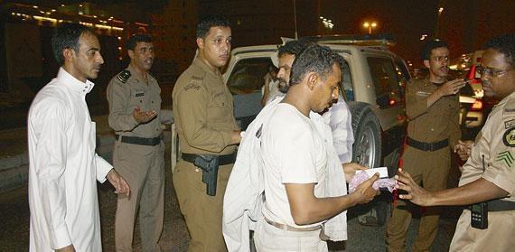 القبض على متسولون في جدة
