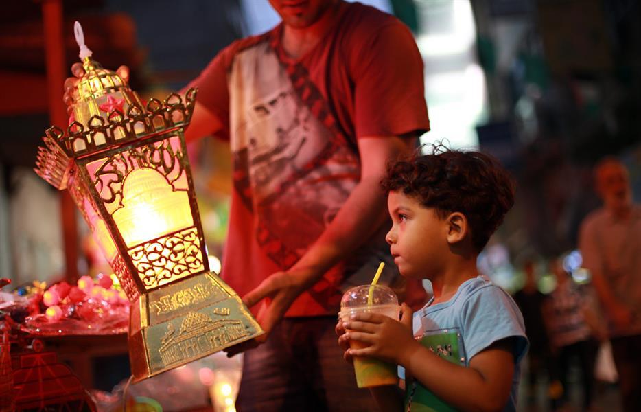 تعرف على أغرب عادات الشعوب في شهر رمضان المبارك