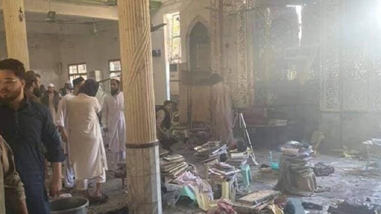العشرات بين قتيل وجريح بانفجار في مدرسة دينية في بيشاور الباكستانية
