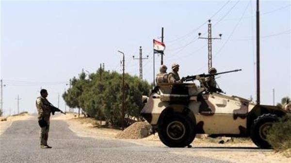 مصر.. مقتل جنديين بتفجير في سيناء