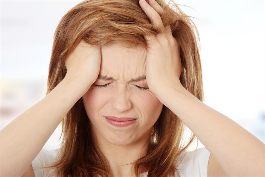 دراسة تكشف عن نظام غذائي غني بعنصر هام يمكن أن يخفف من آلام الرأس الشديدة!