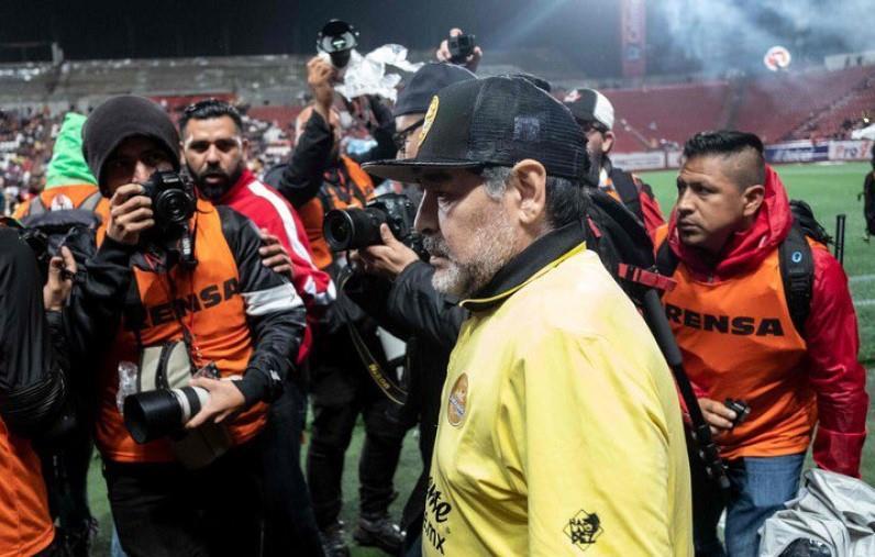 مارادونا يعترف: أتمنى قيادة المكسيك