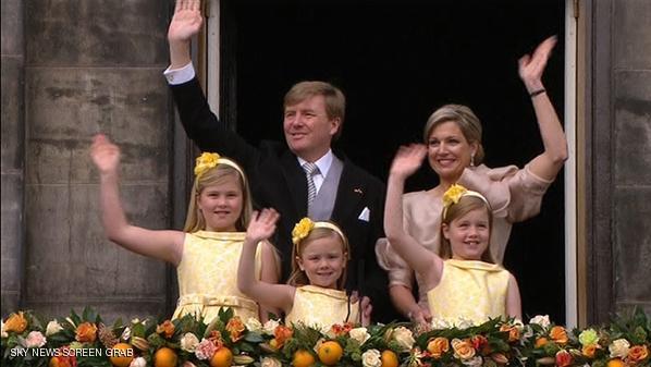 حفل تسلم الأمير فيلِيم ألكسندر الذي يخلف والدته الملكة بياتريس ليصبح أول ملك لهولندا منذ 120 عاما