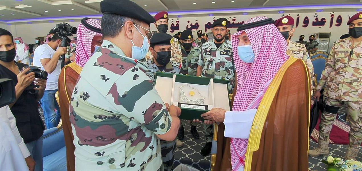 أمير نجران يرعى حفل تخريج الدورة الـ31 للفرد الأساسي بقوة الطوارئ الخاصة بالمنطقة