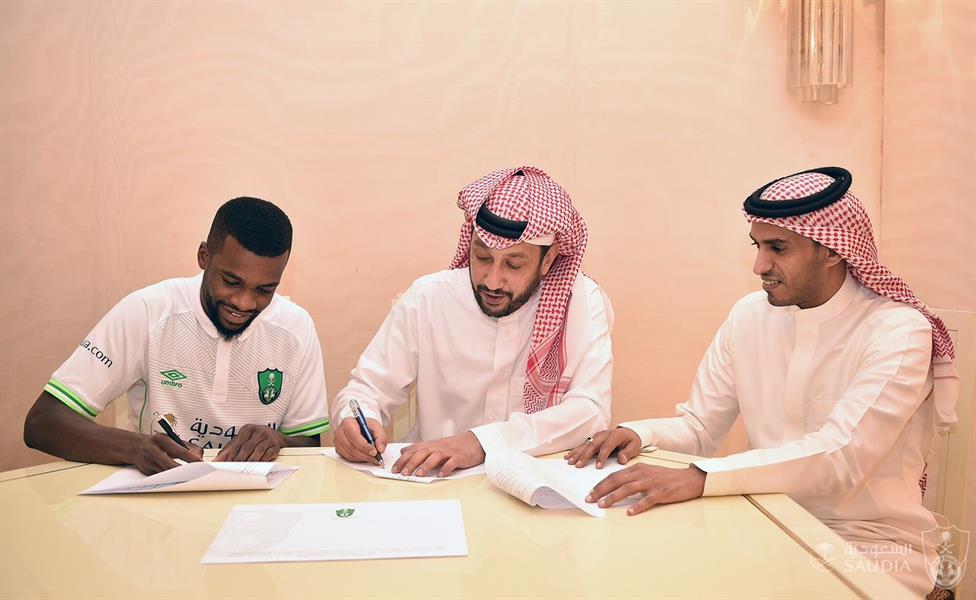 الأهلي يمدد عقد منصور الحربي حتى 2021