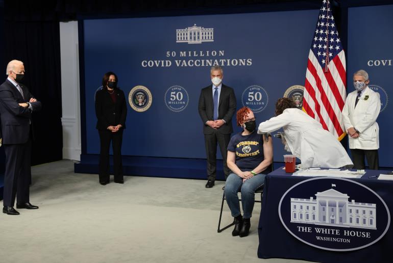 """البيت الأبيض: 100 مليون أمريكي تم تطعيمهم بشكل كامل ضد فيروس """"كورونا"""""""
