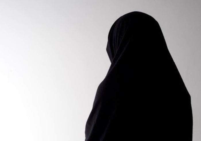 زوجات يروين كيف فقدن أموالهن بسبب خداع أزواجهن
