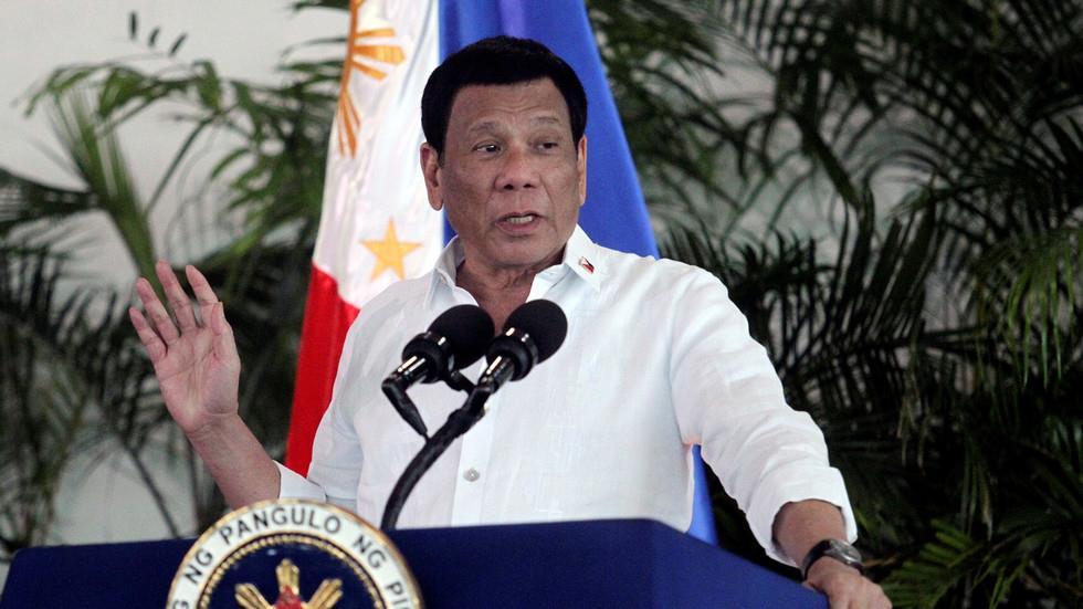 رئيس الفلبين يعطي الشعب الخيار بين التطعيم ضد كورونا أو السجن
