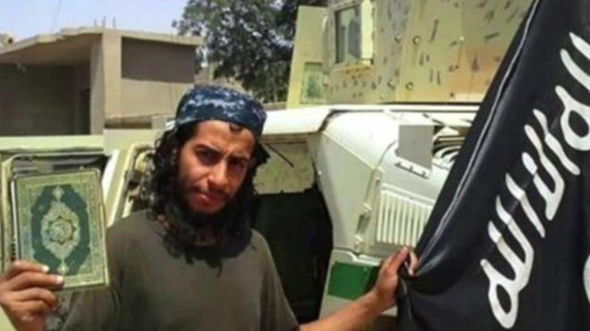 """عبد الحميد أباعود مدبر هجمات باريس """"نجا"""" من محاولة يونانية للقبض عليه"""