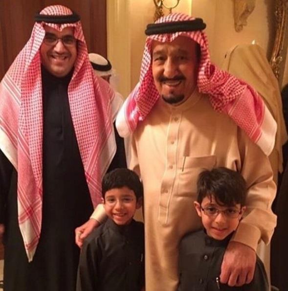 أخبار 24 | تداول صور ابني الأمير نواف بن فيصل برفقة خادم ...