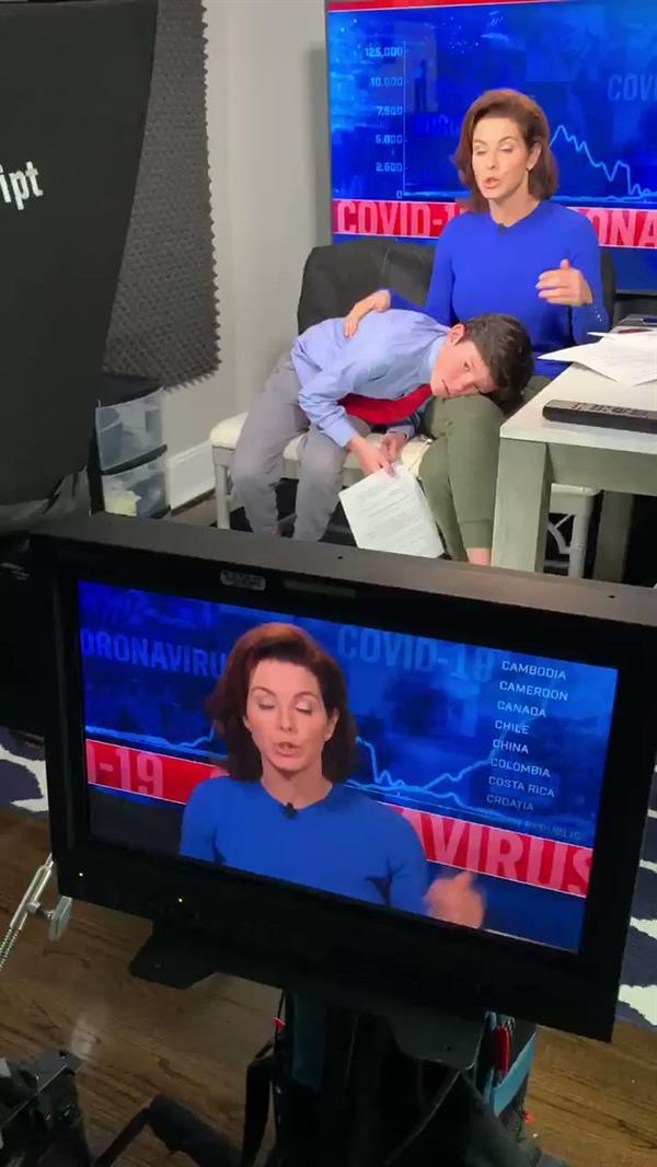 مذيعة تلفزيون MSNBC