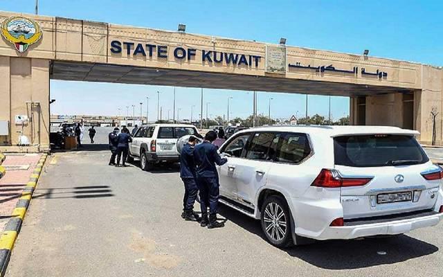 الكويت تحدد مواعيد فتح منافذها البرية والبحرية لمواطنيها وذويهم ومرافقيهم