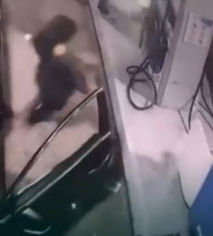 مواطنان هاجما وافدًا وسلباه مبلغًا من المال.. وشرطة الرياض تطيح بهما