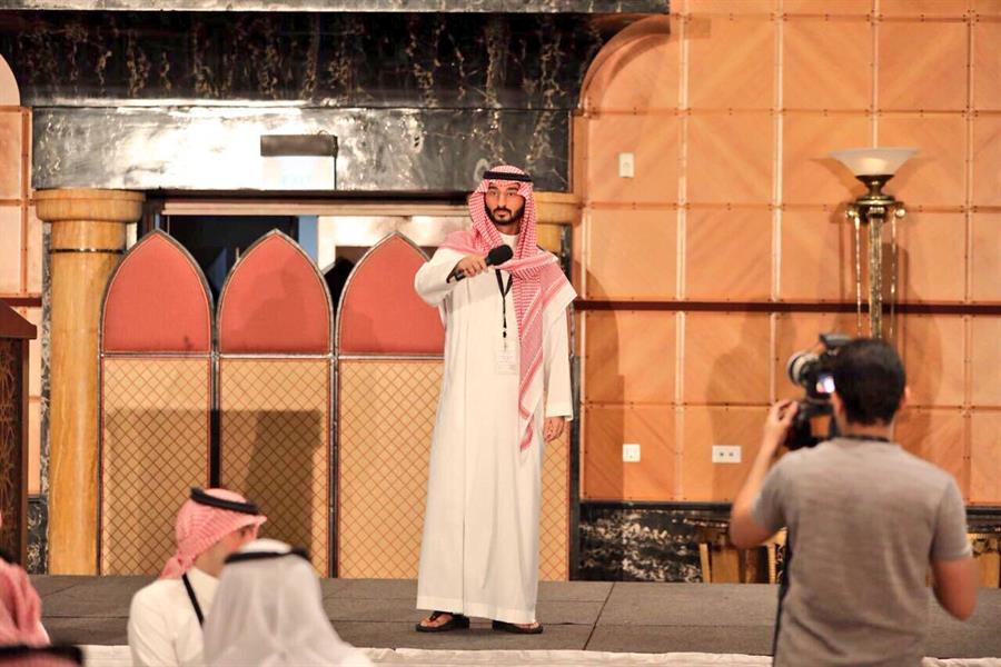 نائب أمير مكة لموظفي الإمارة: أنا زميلكم.. وهدفنا خدمة المنطقة وضيوفها وسكانها (صور)
