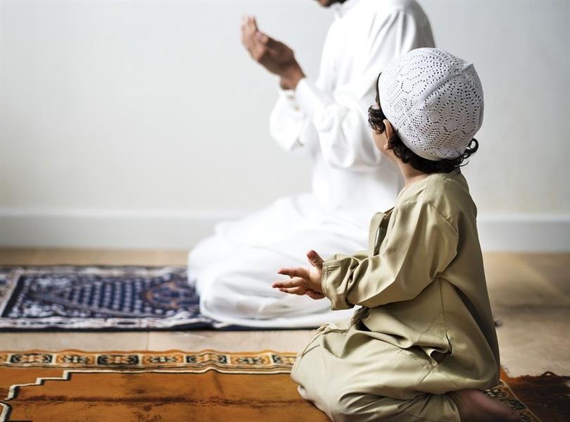 طارق الحبيب يوضح كيف يتكون الشعور الديني عند الأطفال ويوجه بهذه النصائح