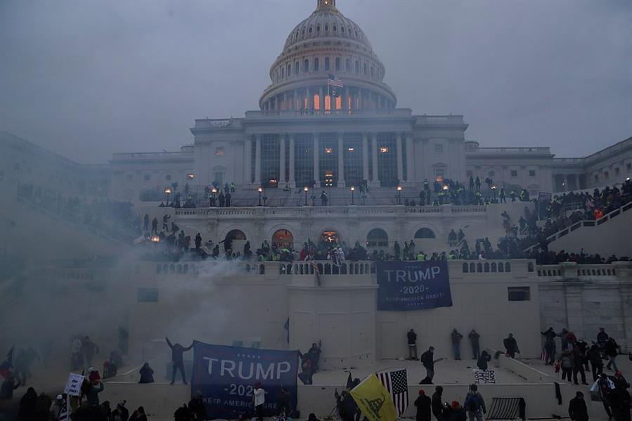 """العالم يندد بأحداث الكونغرس وانتقادات كبيرة لـ""""ترامب"""" وأنصاره"""