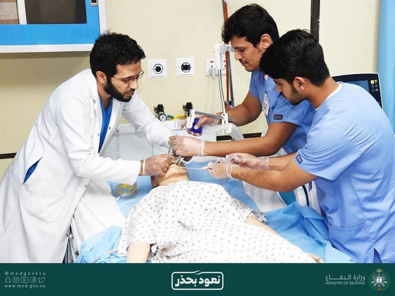 """""""الصحة العالمية"""" تقتبس أحد البحوث المنشورة لطبيبين سعوديين عن خطورة فيروس """"كورونا"""""""