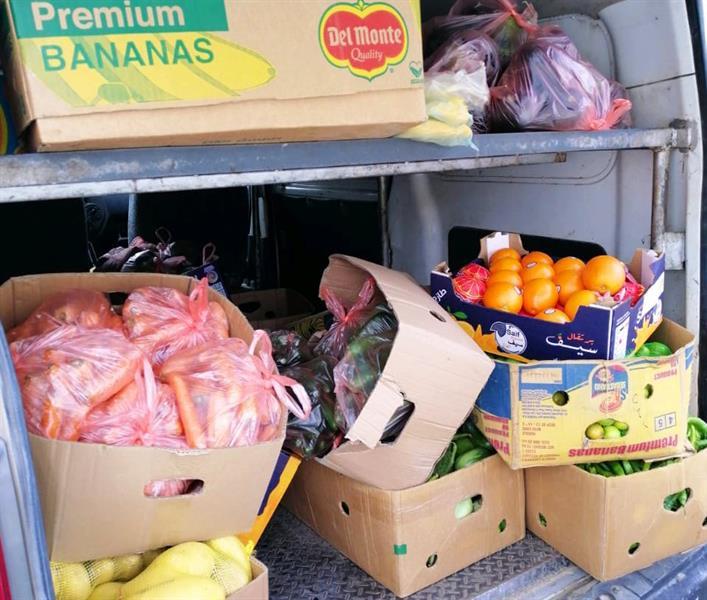 مكة: مصادرة مواد غذائية وغلق منشآت تزيين نسائية (صور)