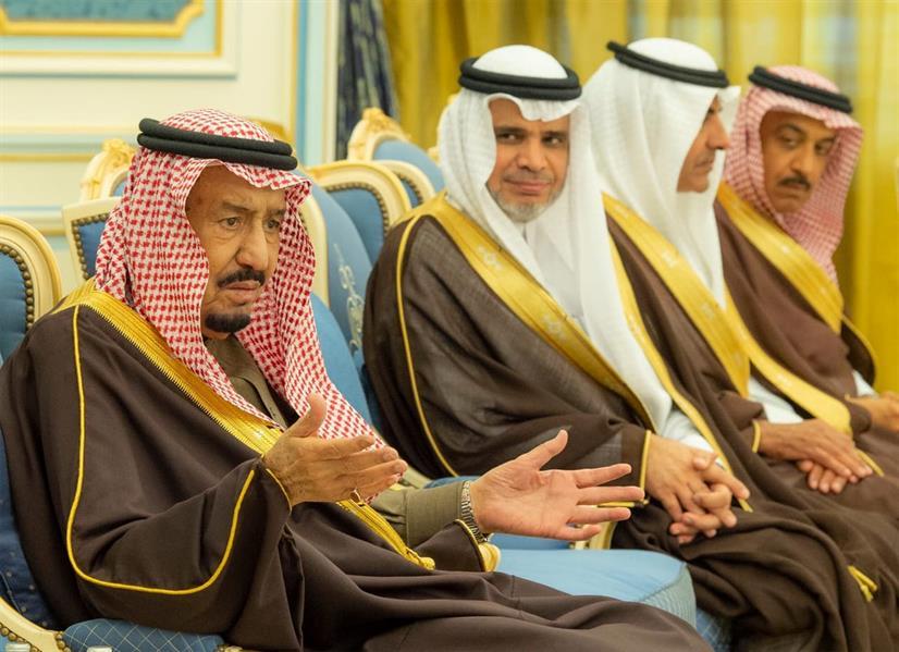 خادم الحرمين يستقبل مديري الجامعات ووكلاء وزارة التعليم