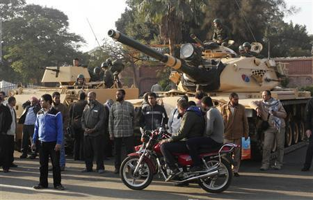 انصار الاخوان المسلمين في محيط قصر الرئاسة بالقاهرة