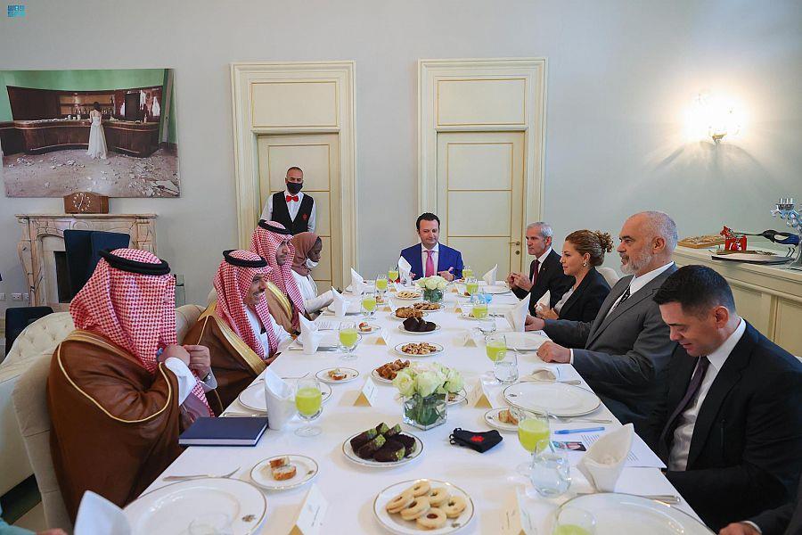 رئيس وزراء ألبانيا يستقبل الأمير فيصل بن فرحان