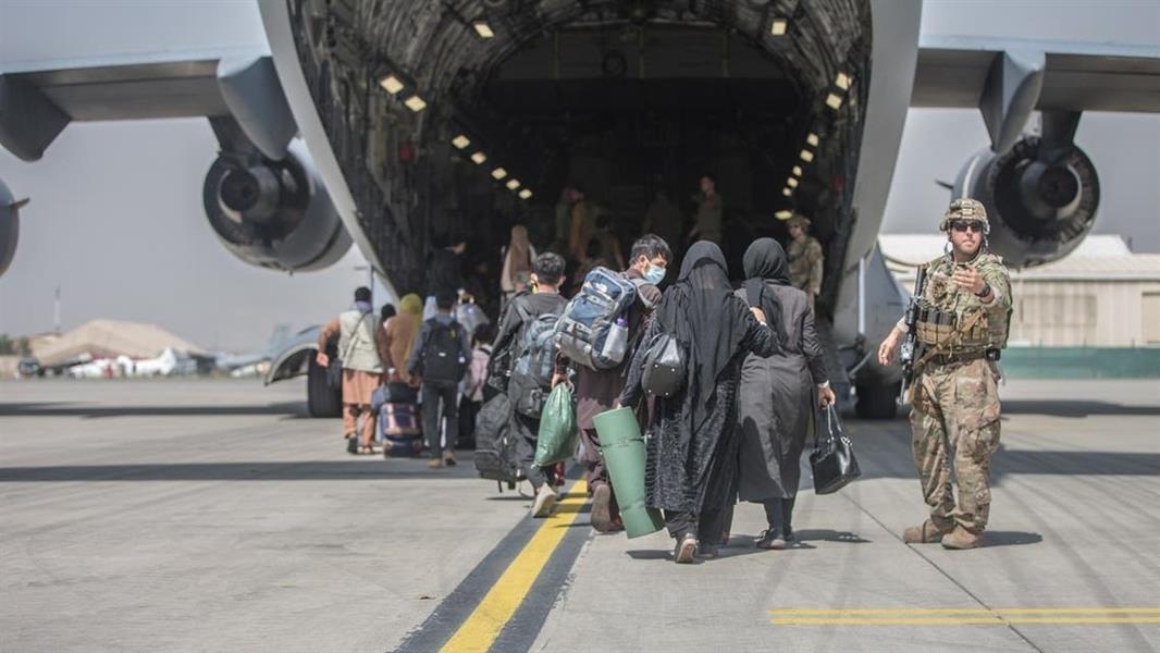 مسؤول أميركي: استئناف عمليات الإجلاء من كابل قريباً