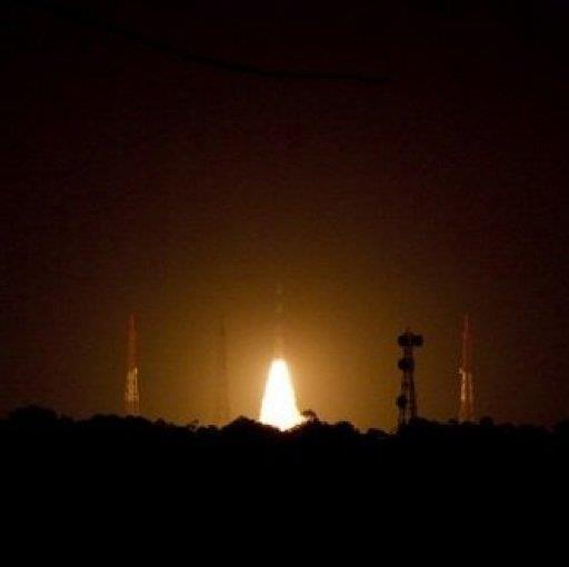 الهند تطلق اول قمر اصطناعي في اطار نظام الملاحة الخاص بها