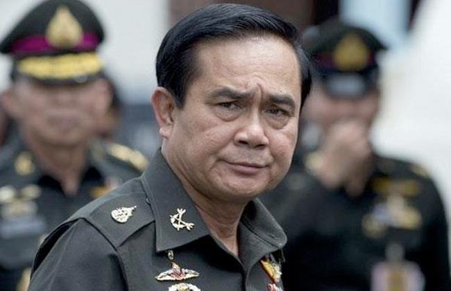 تغريم رئيس وزراء تايلاند لعدم ارتدائه كمامة في اجتماع حكومي