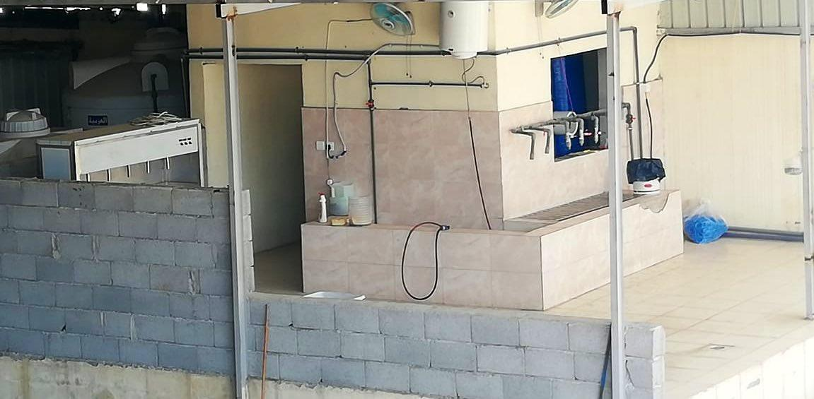 بلديات مكة: مصادرة أكثر من 2 طن مواد غذائية وغلق معمل للمياه (صور)