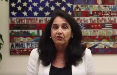 بالفيديو.. القنصل الأمريكية بالمملكة توضح معلومات مهمة بشأن قرار ترامب الخاص بالتأشيرات