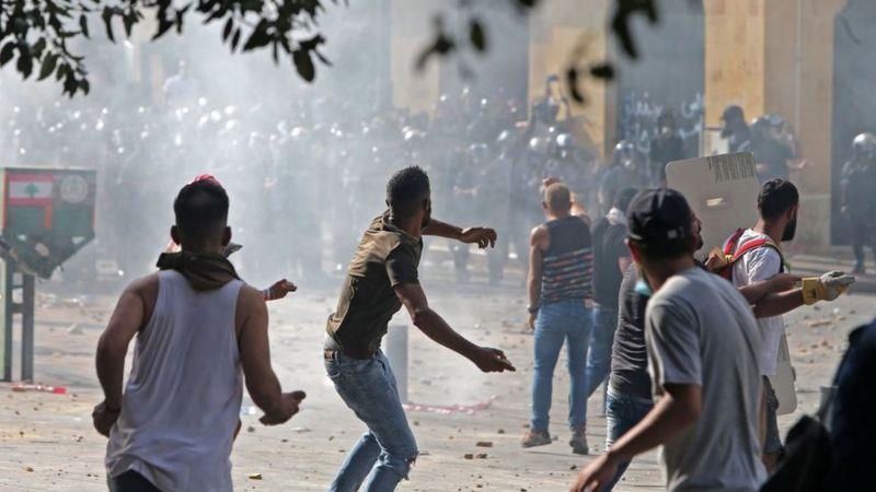 """لبنان: قتلى وجرحى جراء انفجارين وإطلاق نار أثناء احتجاجات ضد قاضي حادِث """"مرفأ بيروت"""""""