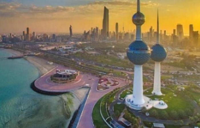 الكويت تنفي طلبها نقل السفير الإماراتي لديها
