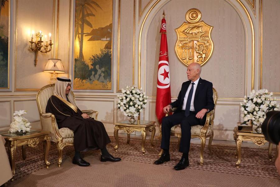 الأمير فيصل بن فرحان ورئيس الجمهورية التونسية قيس سعيد