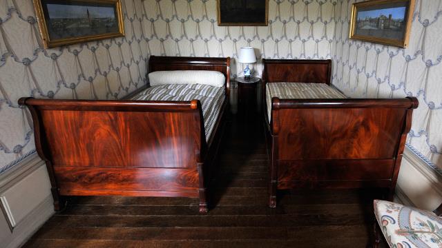 """""""ضريبة غرفة النوم"""" تثير موجة من الاحتجاجات في بريطانيا"""