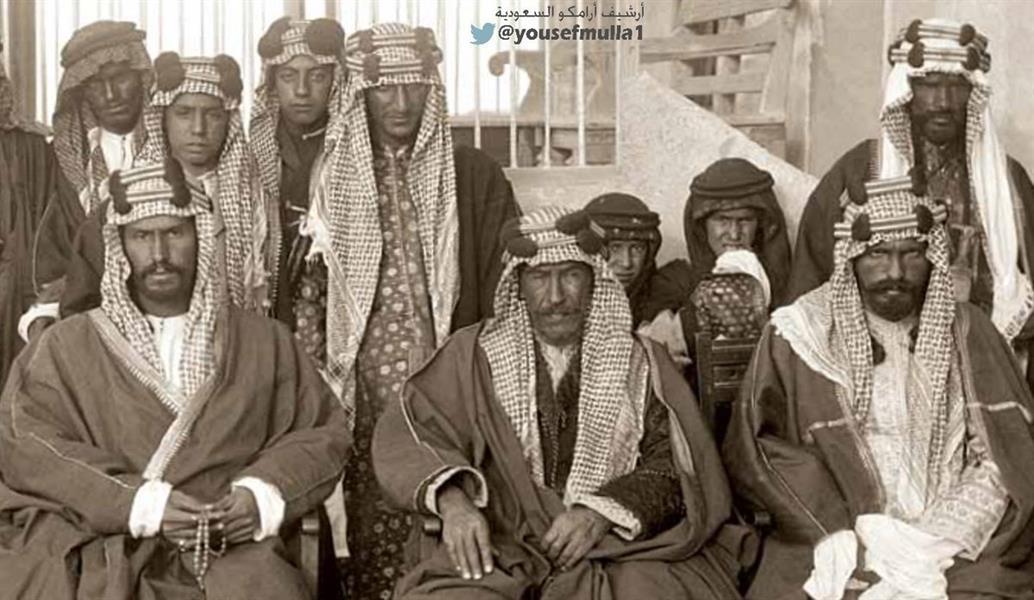 أخبار 24 صورة نادرة للملك عبدالعزيز في شبابه منذ أكثر من 100 عام مع أشقائه وأمير الكويت
