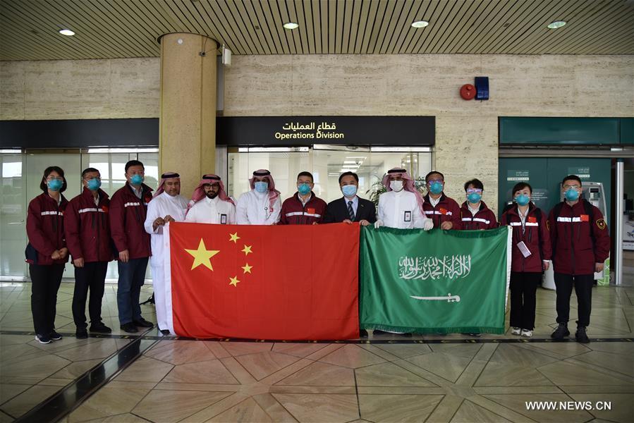 فريق طبي صيني