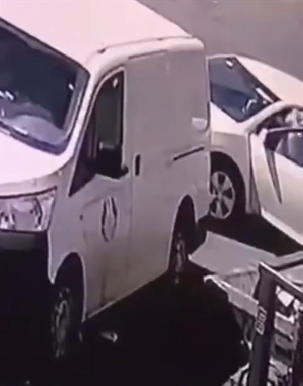 فيديو.. الإطاحة بمواطن امتهن سرقة عملاء البنوك في الرياض