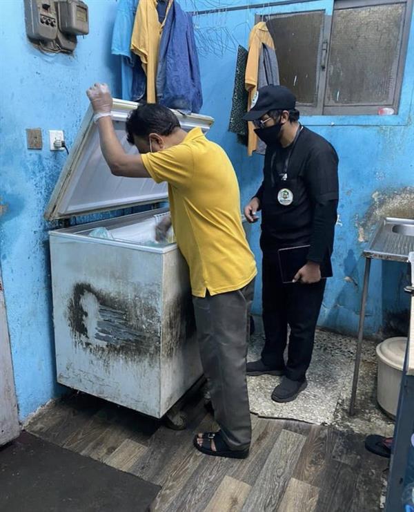 ضبط عمالة استغلت مقر سكنها لإعداد الطعام وتوزيعه بصناعية أبها