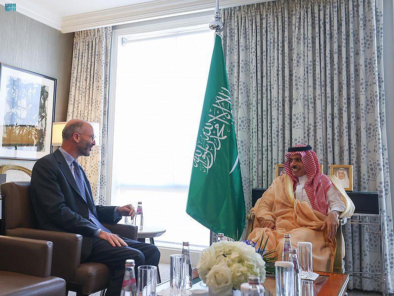 وزير الخارجية يلتقي المبعوث الأمريكي الخاص لشؤون إيران